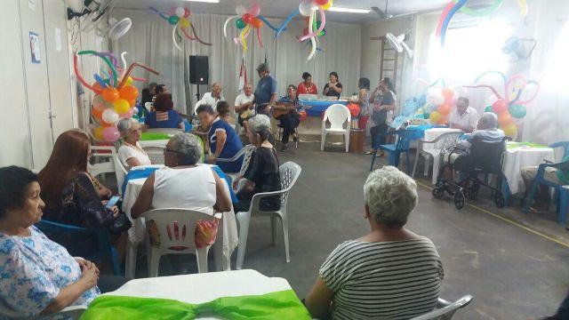 Dia dos Pais na Casa do Idoso realizado pelos IIr. da Loja Amazonas (1)